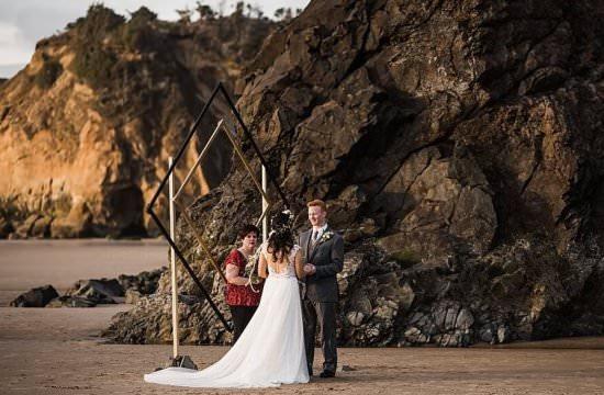 Minimalist-Geometric-Arbor-Oregon-Coast-Elopement, adventure elopement, intimate wedding
