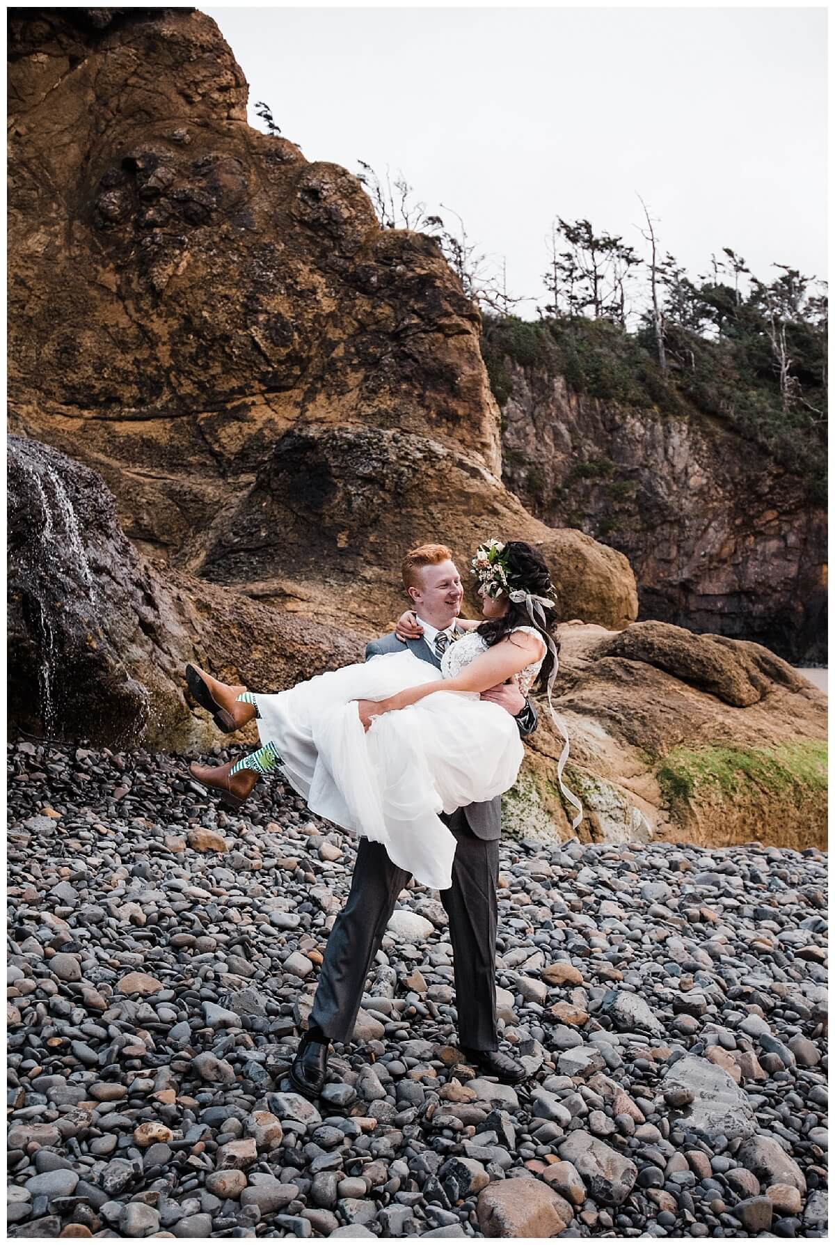 S Photography,beach wedding,blush bridal eugene,elopement photographer,geometric arbor,geometric elopement,hug point state recreation site,intimate wedding,maggie murray creative,meranda lynn beauty,minimalist elopement,oregon coast,pacific northwest,prima planning and events,