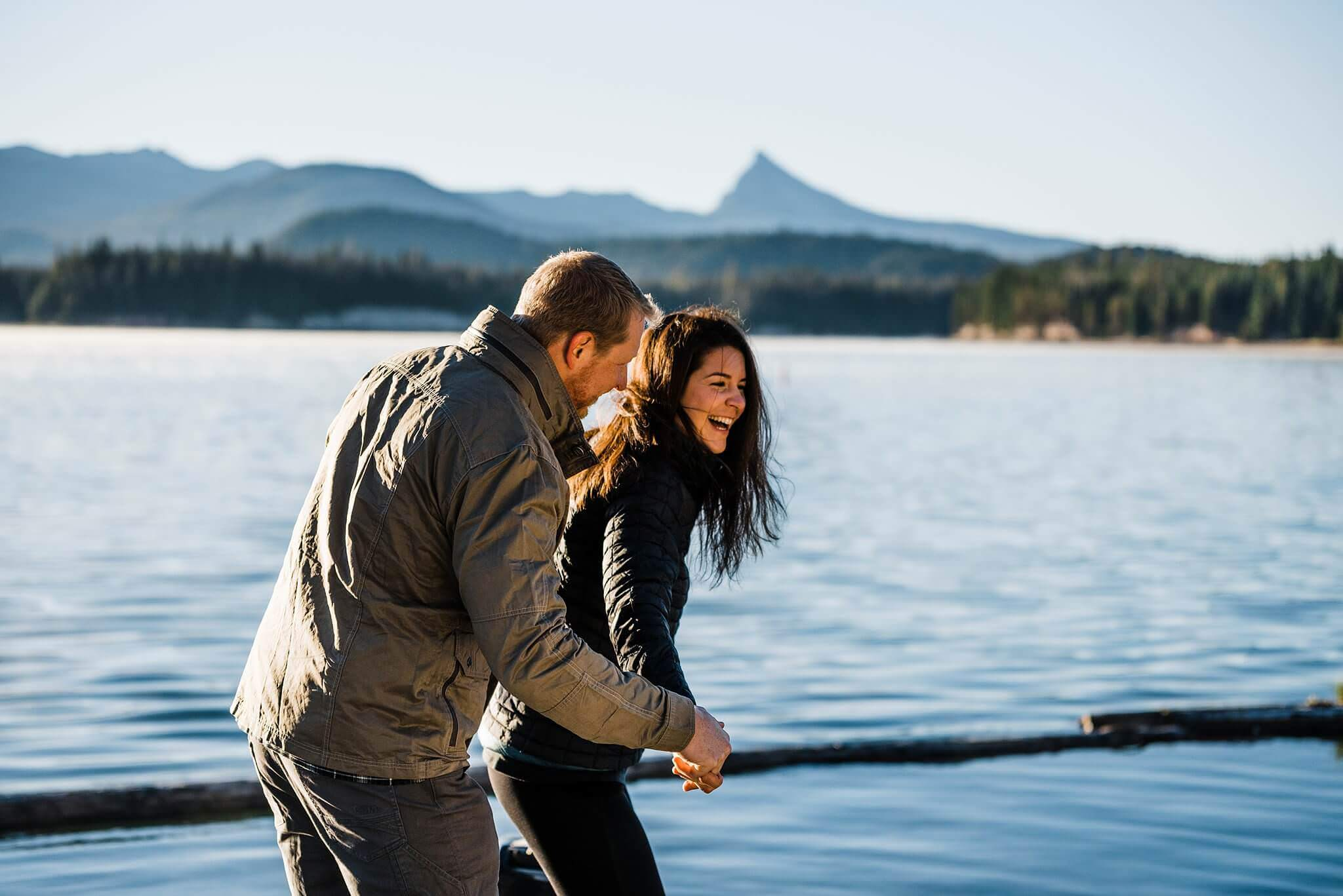 Canoe-Lake-Adventure-Engagement-Session-Oregon-Lemolo-S-Photography_0002.jpg