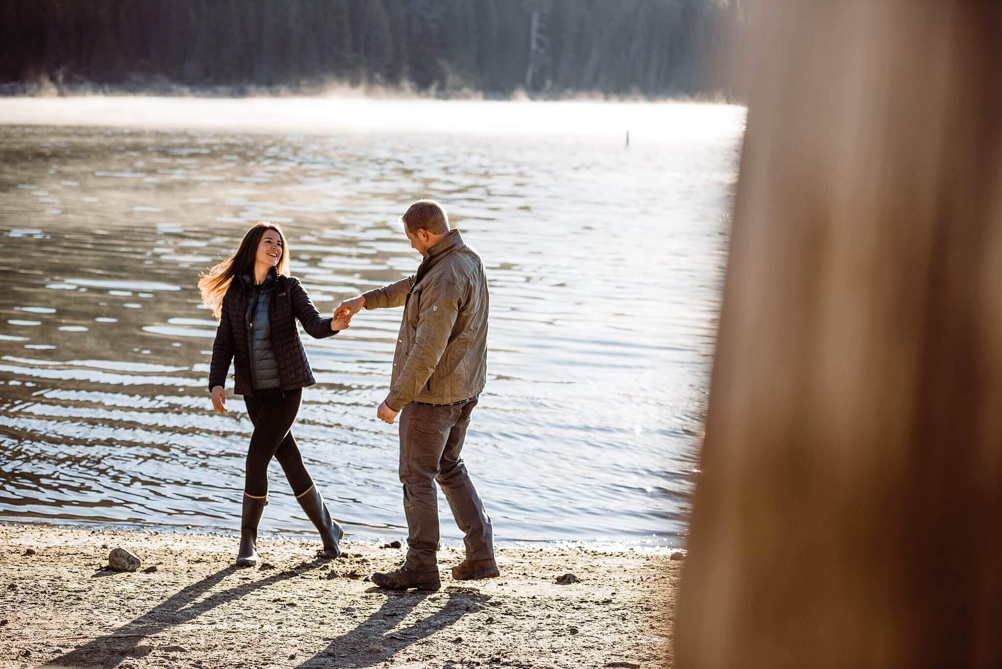 Canoe-Lake-Adventure-Engagement-Session-Oregon-Lemolo-S-Photography_0006.jpg
