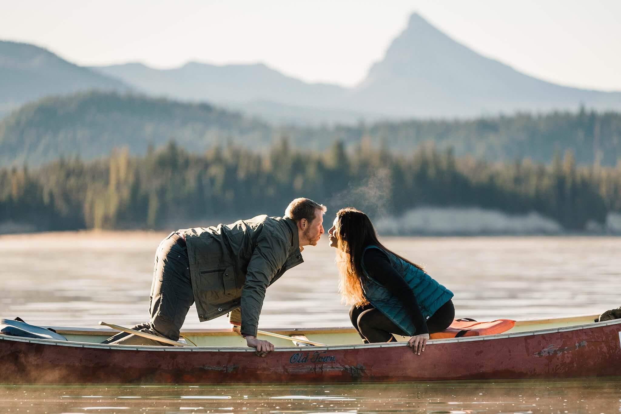 Canoe-Lake-Adventure-Engagement-Session-Oregon-Lemolo-S-Photography_0011.jpg