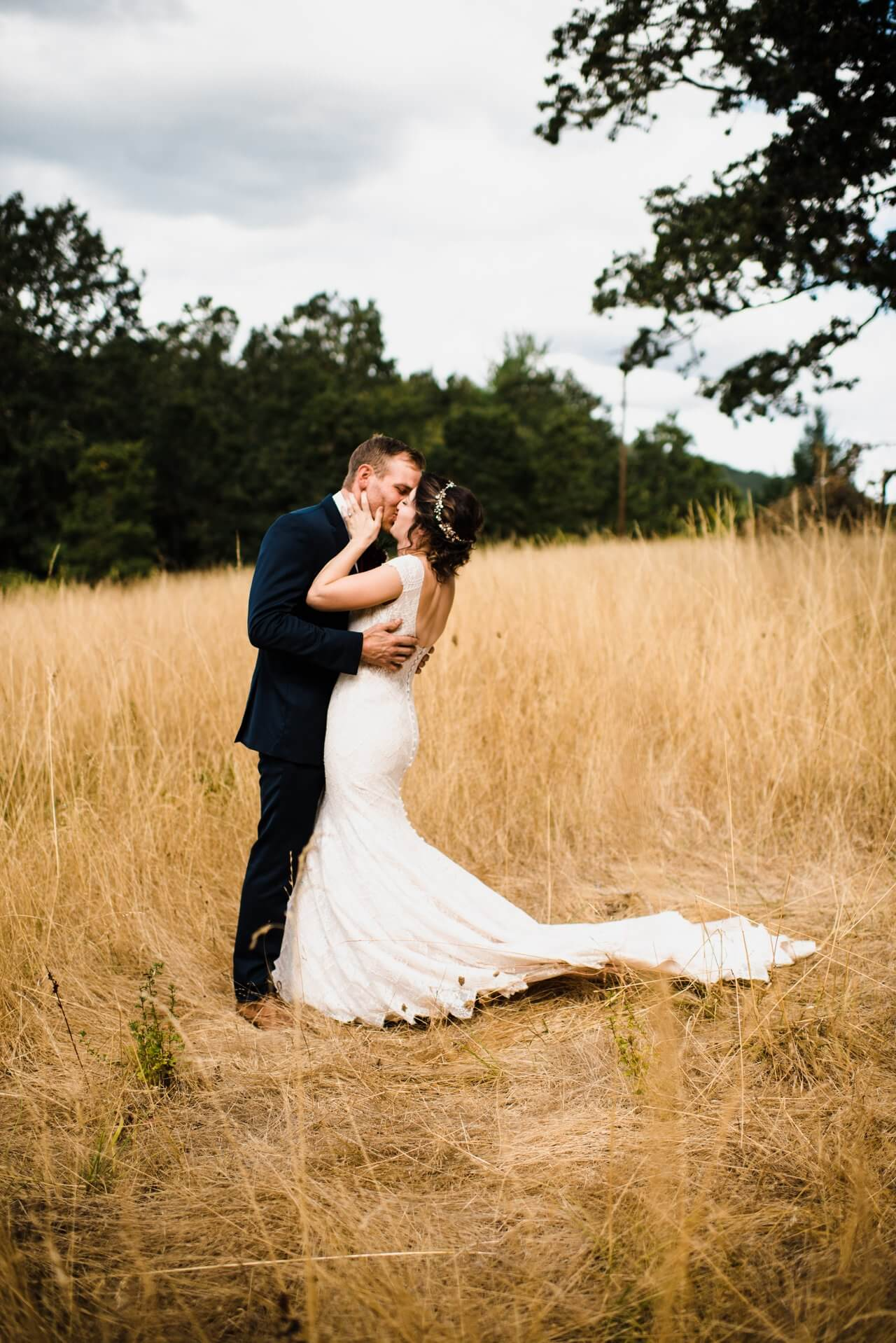 Oregon Intimate Wedding Photographer