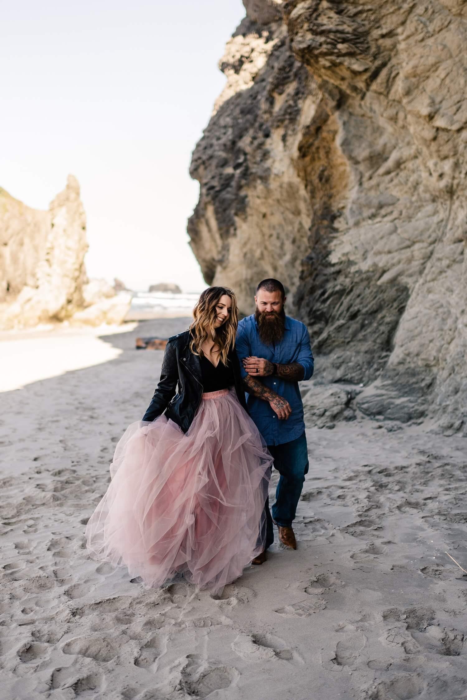 Bandon,adventure session,destination wedding,elope,engagement session,face rock,oregon coast,oregon elopement,oregon wedding photographer,pacific northwest,small wedding,