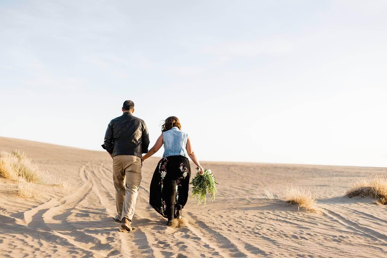 adventure elopement photographer,christmas valley,christmas valley sand dunes,desert,eastern oregon,elopement,intimate wedding,oregon,pacific northwest,sand dunes,
