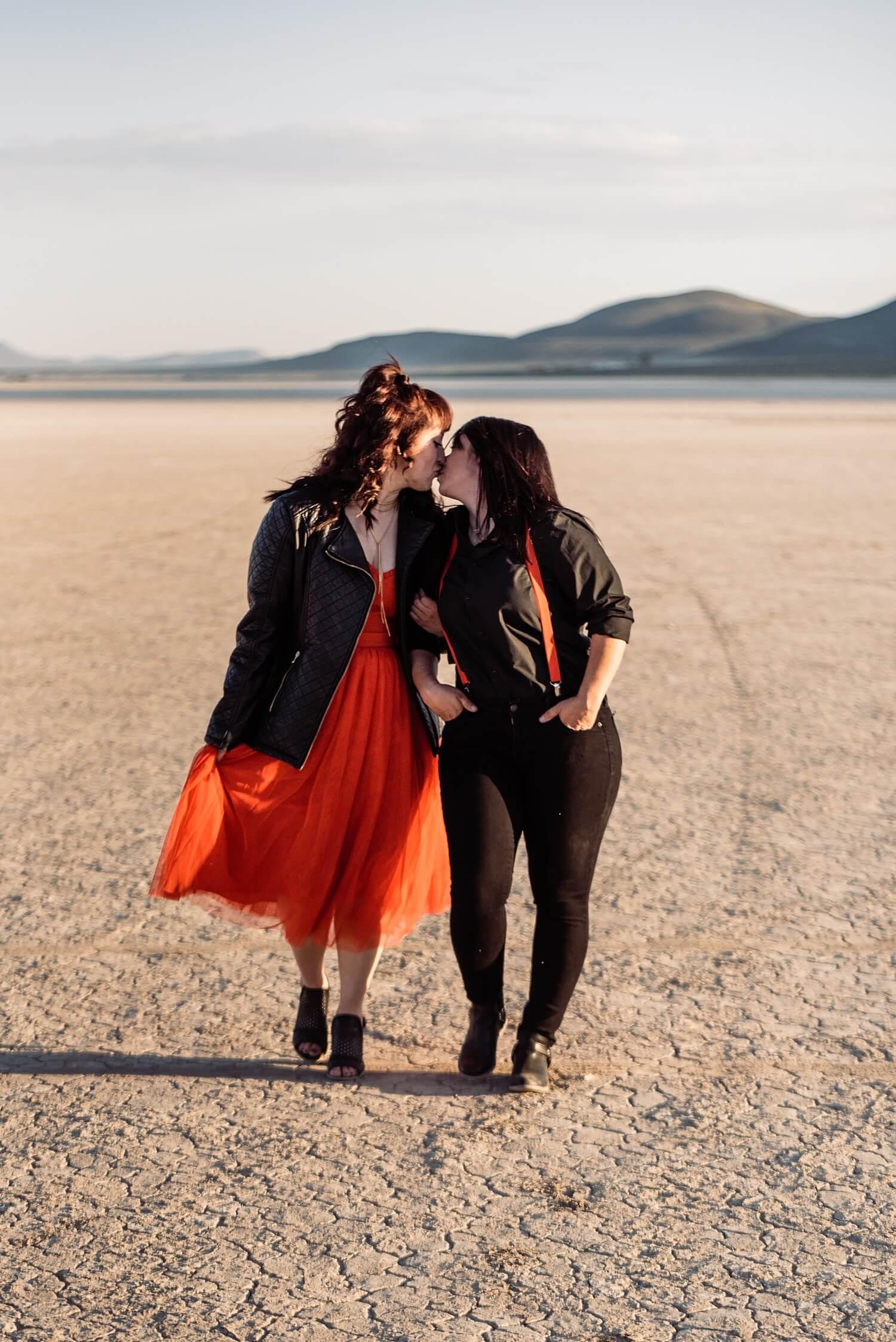 adventure elopement photographer,adventure session,alvord desert,couples session,desert,engagement session,oregon,pacific northwest,playa,southeastern oregon,