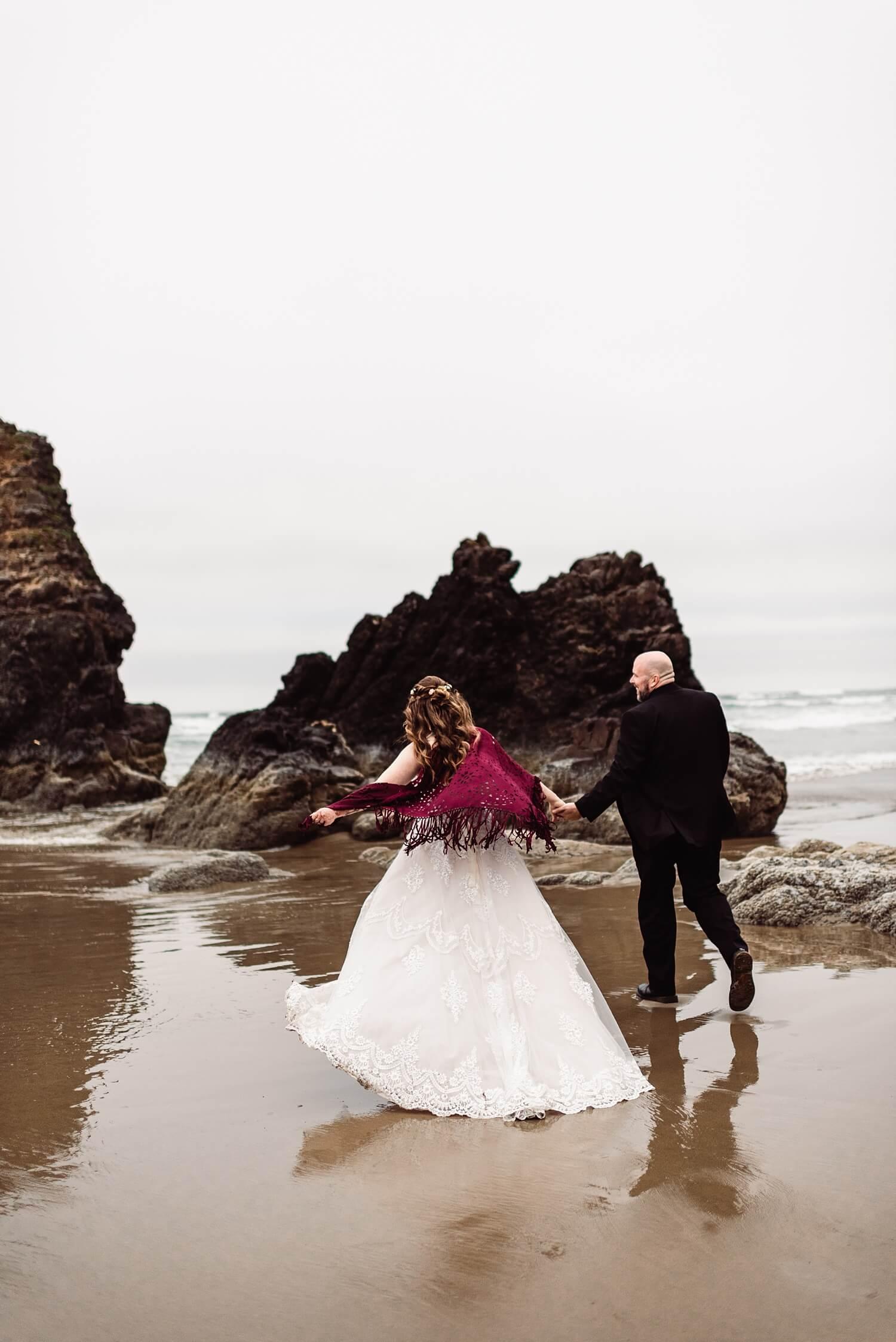 Elope in Oregon,Oregon Coast Elopement,adventure elopement photographer,arcadia beach,boho wedding,cannon beach,oregon wedding photographer,pacific northwest,tiny wedding,