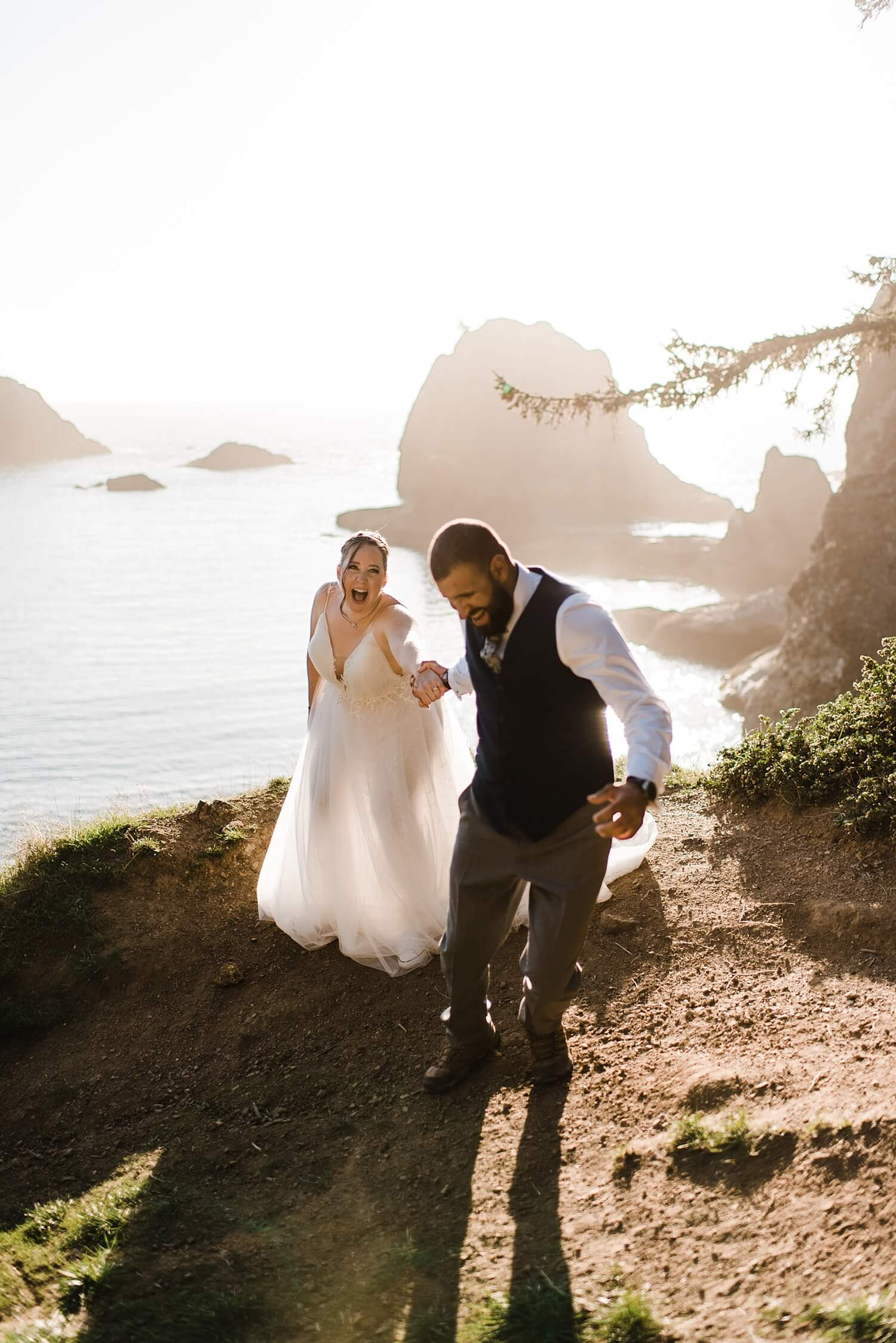 Oregon Coast,adventure elopement photographer,beach elopement,beach wedding,elopement,elopement photographer,intimate wedding,oregon coast elopement,oregon wedding,pacific northwest wedding,sam starns,
