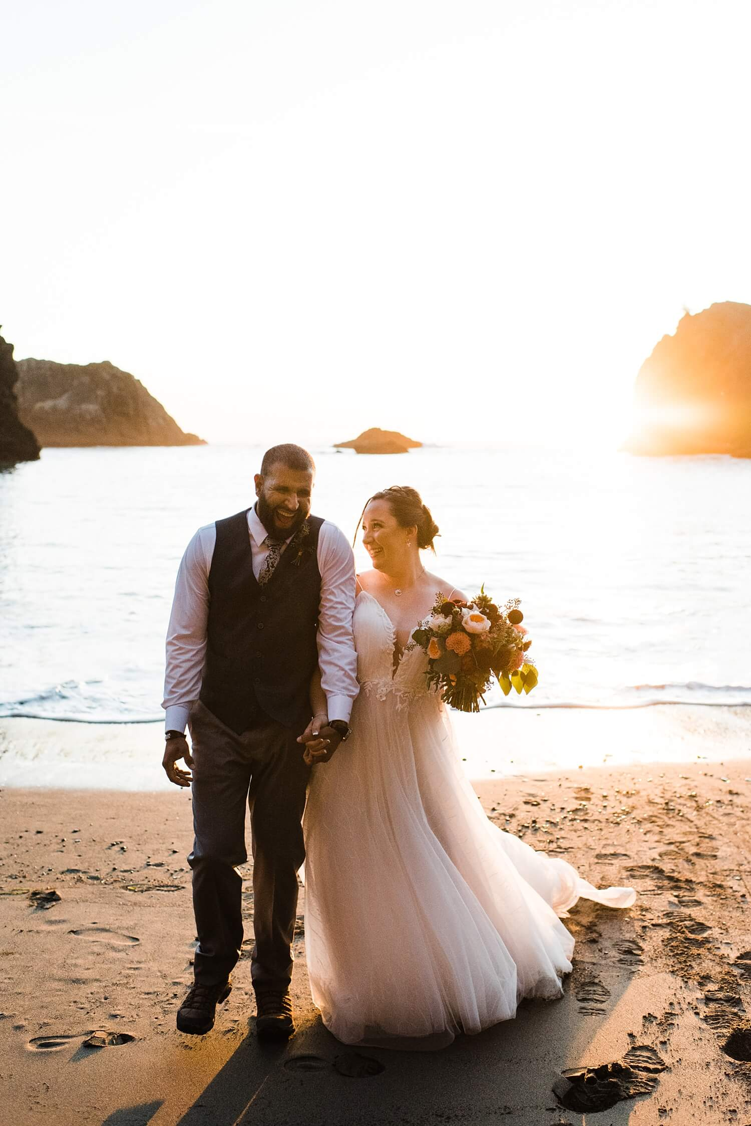 Oregon Coast,adventure elopement photographer,beach elopement,beach wedding,elopement,elopement photographer,intimate wedding,oregon coast elopement,oregon wedding,pacific northwest wedding,sam starns,samuel h boardman oregon coast elopement