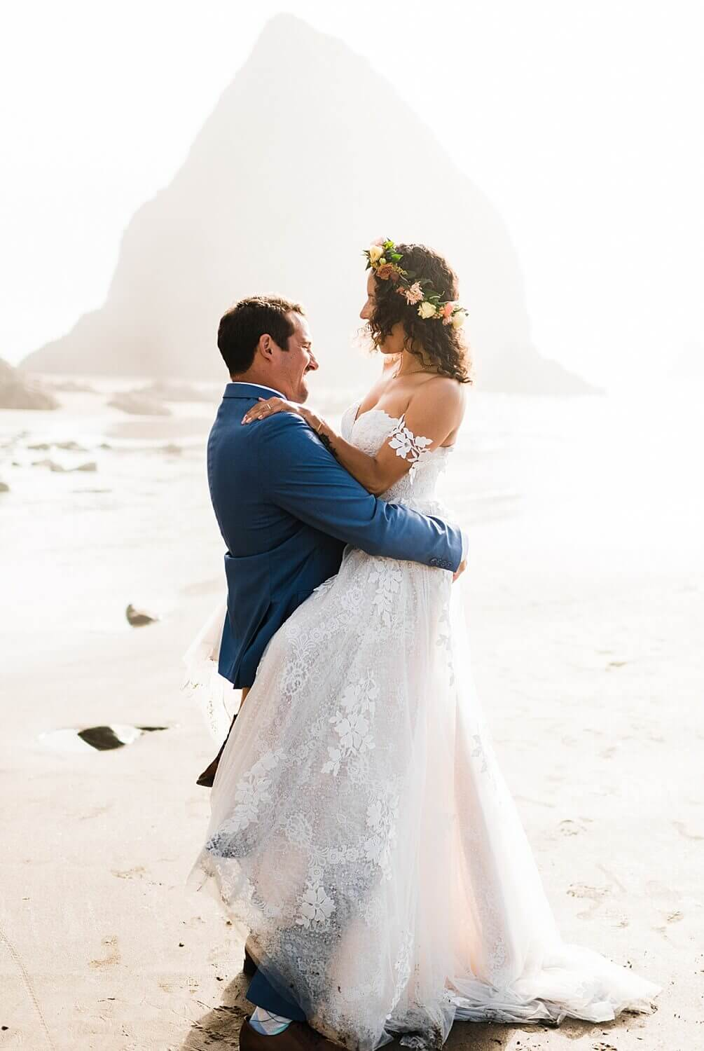 Arch Cape,MH Events,Oregon,Oregon Coast,Oregon Coast adventure elopement,adventure elopement photographer,elope your life,intimate wedding,pacific coast floral design,sam starns,